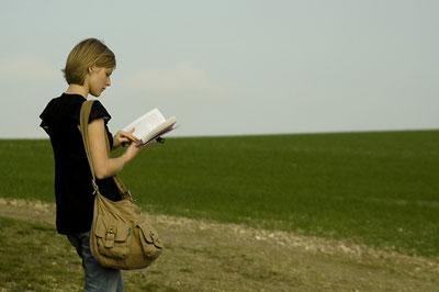 leyendo_libro.jpg